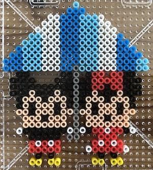 相合い傘のミッキー&ミニー【アイロンビーズ図案】梅雨にぴったり!